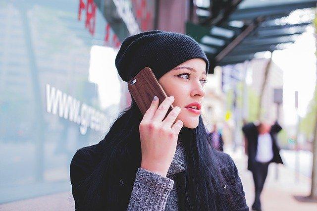ochrana telefonu při používání